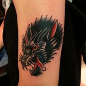nice-traditional-wolf-tattoo